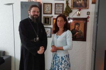 Preasfințitul Părinte Episcop Macarie Drăgoi în Finlanda, pentru a o încuraja pe Camelia-Mihaela Smicală