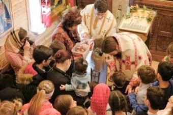 """Cinstindu-i pe Sfinții Martiri Năsudeni, PS Episcop Macarie: """"Avem un singur suflet, avem o singură credință, avem un singur Botez și o singură mântuire""""."""