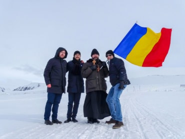 """Bishop Macarie Drăgoi in Eucharistic ministry in the archipelago of the Arctic Ocean: """"We pray to Him Who is everywhere to draw near the distances that separate us and melt the ice that has enveloped our hearts!"""""""
