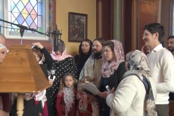Colind din satul natal al Părintelui Episcop Macarie, cântat astăzi de Preasfinția Sa împreună cu grupul de colindători de la Copenhaga, 26 decembrie 2018