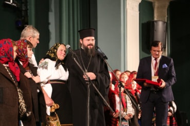 În ajunul Crăciunului PS Episcop Macarie Drăgoi despre Crăciunul copilăriei sale!