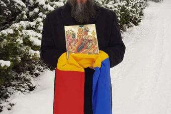 Colindând printre nămeții orașului Oslo la frații noștri, mai cu seamă la cei însingurați și bolnavi, pentru a le vesti că Prunc Sfânt ni S-a născut nouă, ca să ne scoată din necaz, durere și păcat! Nașterea Domnului cu bucurie sfântă să o prăznuim, iubite frate și iubită soră, oriunde ne-am afla! …