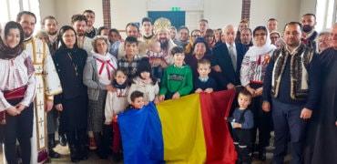 Imnul Național cântat la biserică de PS Părinte Episcop Macarie și românii din Borås, Suedia, după Sfânta Liturghie și Tedeumul de Ziua Națională a României, 1 decembrie 2019 (video)