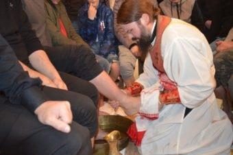 În Joia Mare la Stockholm, Preasfințitul Părinte Episcop Macarie a săvârșit Randuiala spălării picioarelor