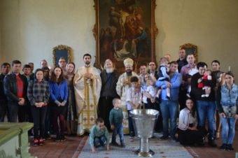 De sărbătoarea Sfinților Împărați și întocmai cu Apostolii Constantin și Elena, Preasfințitul Părinte Episcop Macarie al Europei de Nord i-a cercetat pe românii care muncesc sezonier în Suedia