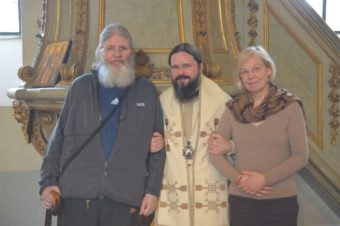 De sărbătoarea Sfinților Împărați Constantin și Elena, 21 mai 2017, Părintele Episcop Macarie Drăgoi al Europei de Nord, în Österbybruck, împreună cu suedezii Constantin și Elena, soț și soție convertiți la Ortodoxie.