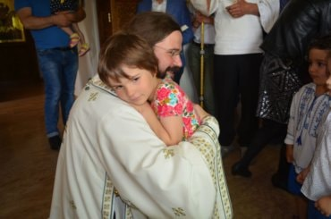 """Părintele Episcop Macarie : """"Se cuvine să prețuim și să cultivăm mai mult și mai cu sârg dragostea frățească prin prieteniile duhovnicești și solidaritatea față de ceilalți"""""""