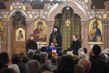 "Bishop Macarie Drăgoi at several conferences in the Great Lent with the young: ""In the most terrible moments, there is, however, a shoulder to join you, some warm hands to wipe your sweat and blood, a good word to lift your forehead pierced with thorns"""
