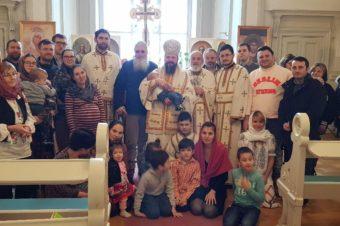 """PS Episcop Macarie: """"Biserica folosește mediile online cu scopul hotărât de a ne aduce în mediul real al comunității euharistice care întotdeauna se întâmplă față către față"""""""
