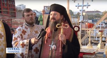 Sfințirea crucilor pentru noua biserică românească din Viena (video)