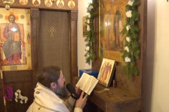 Rugăciune către Sfinții Cuvioși Macarie Romanul și Ioan Iacob Hozevitul de la Neamț, păzitorii celor aflați în depărtată străinătate, rostită de PS Părinte Episcop Macarie Drăgoi înaintea icoanei Sfinților Cuvioși din Mănăstirea Ikast, Danemarca, 23 octombrie 2019
