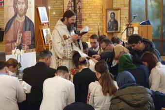 """PS Părinte Episcop Macarie: """"Avem nevoie permanent să ne spălăm ochii cu apa binecuvântată a Duhului Sfânt ce curge neîncetat în biserică astfel încât să avem o privire curată"""""""
