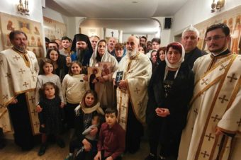 "Bishop Macarie with the parishioners from Stockholm, to Camelia-Mihaela Smicală: ""In our heart you are also, beloved mother and sister, in our heart are your children, too! We are together!"""
