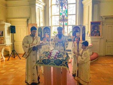 """PS Părinte Episcop Macarie: """"Să înfruntăm creștinește aceste vremuri și aceste încercări!"""" Sfânta Liturghie, Uppsala, 22 martie 2020"""