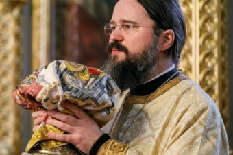 """An important message of Bishop Macarie Dragoi towards the priests from the Romanian Orthodox Diocese of Northern Europe during the coronavirus pandemic: """"Under no circumstances will the serving of the Divine Liturgy end! Nothing and nobody should deter us from this service. Under no circumstances can we bar the gates of the Church or the gates of our soul to our suffering brothers"""""""