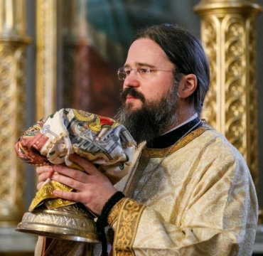 "An important message of Bishop Macarie Dragoi towards the priests from the Romanian Orthodox Diocese of Northern Europe during the coronavirus pandemic: ""Under no circumstances will the serving of the Divine Liturgy end! Nothing and nobody should deter us from this service. Under no circumstances can we bar the gates of the Church or the gates of our soul to our suffering brothers"""
