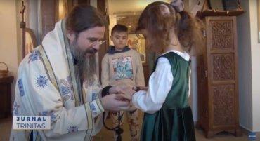 Liturghie arhierească la Centrul Episcopal din Stockholm (preluare TRINITAS.TV)
