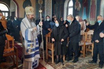 Astăzi, duminică, 28 februarie 2021, Parintele Episcop Macarie al Europei de Nord, cu binecuvântarea Părintelui Mitropolit Andrei al Clujului, a săvârșit Sfânta Liturghie în biserica localității Sita, comuna Spermezeu, jud. Bistrița-Năsăud. După slujbă, a înmormântat-o pe binecredincioasa văduvă Anica Șerban (95 ani)