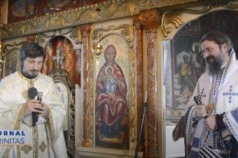 Preasfințitul Părinte Macarie i-a binecuvântat pe credincioșii din satul Sita (preluare TRINITAS.TV)