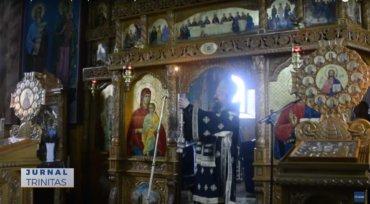Preasfințitul Părinte Episcop Macarie a slujit în satul natal (preluare TRINITAS.TV)