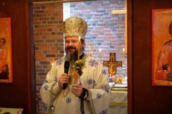 """Episcopul Macarie: """"Fiți  casă și ospăț, odihnă și mângâiere pentru sufletele celor zdrobiți și umiliți!"""" Cuvânt la Sfânta Liturghie de hram din Oslo, Norvegia, Duminica Mironosițelor, 16 mai 2021"""