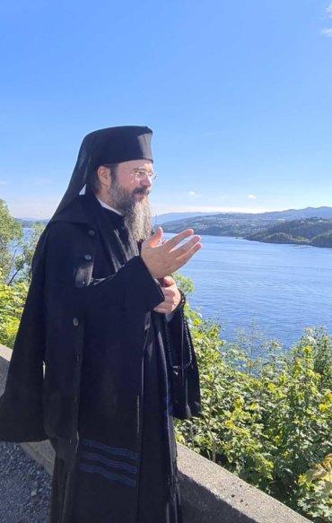 Preasfințitul Părinte Episcop Macarie Drăgoi al Episcopiei Europei de Nord pe urmele Sfintei Mucenițe Suniva în Bergen la poarta fiordurilor Norvegiei, 24 iunie 2021