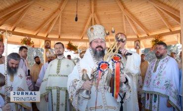 """Biserica Mănăstirii """"Crucea Iancului"""" de la Mărișel, sfințită de trei ierarhi (preluare TRINITAS.TV)"""