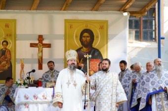 Preasfințitul Părinte Episcop Macarie Drăgoi al Episcopiei  Europei de Nord a săvârșit astăzi, 13 august 2021, Sfânta Liturghie la Mănăstirea Nicula