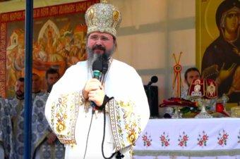 """Episcopul Macarie la Mănăstirea Nicula: """"Să le păzim celor mici copilăria, școala, joaca și bucuria!"""", Sfânta Liturghie, 13 august 2021"""