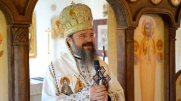 """Episcopul Macarie: """"Să fim oameni de inimă întru prinos de omenie!"""" Sfânta Liturghie cu pomenirea celor adormiți, Paraclisul Episcopal din Stockholm, sâmbătă, 4 septembrie 2021"""