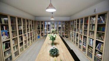 """Inaugurarea Bibliotecii """"Mitropolit Bartolomeu Anania și Arhiepiscop Justinian Chira"""" din cadrul așezământului pastoral-cultural al comunității românești din Bergen, Norvegia"""