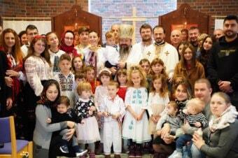 Preasfințitul Părinte Episcop Macarie Drăgoi al Episcopiei Europei de Nord a săvârșit astăzi la Oslo, 9 octombrie 2021, Sfânta Liturghie cu Slujba Parastasului pentru Episcopul Vasile Someșanul